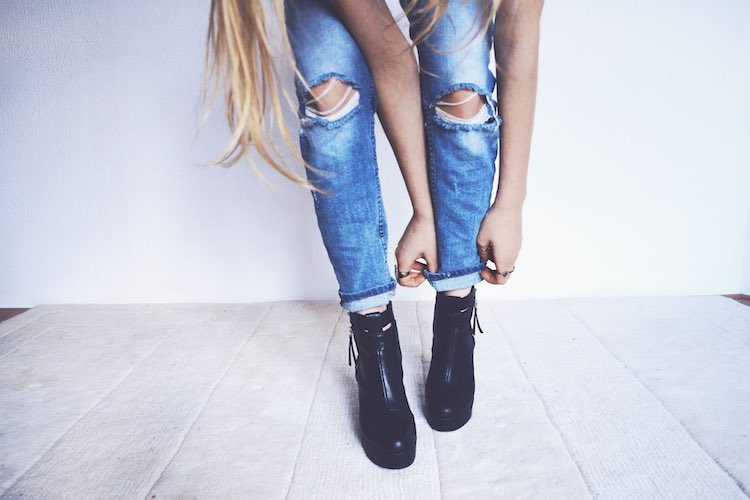 b3c358e487fd The Best Shoes To Wear With Skinny Jeans - Women's Outfit Tips