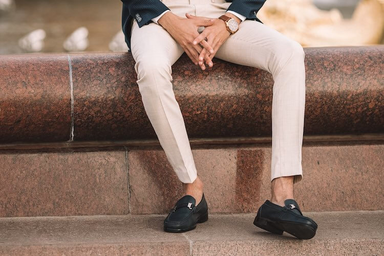 Wearing Shoes Without Socks: Our Top Tips for Men